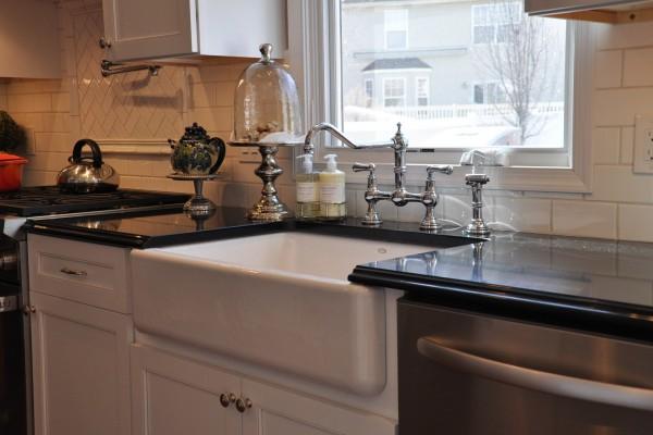 distinctive-details-Apron-Sink